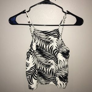 Kendall & Kylie small black & white crop top